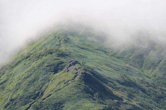 Tanigawadake: 天神峠のリフト乗り場の展望台より天狗のトマリ場