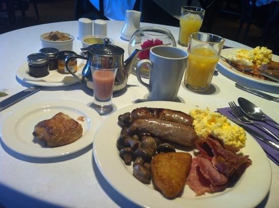 DoubleTree by Hilton Bristol South - Cadbury House: the lovely breakfast