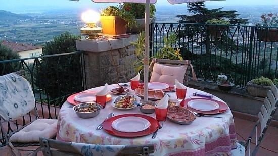 Casa Kita: Cena by Osvaldo in terrazza