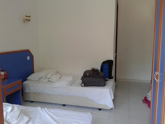 Dilhan Hotel: room is big enough for two persons plenty of wardrobe space and hangers