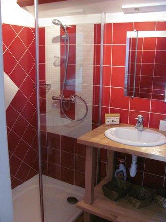 Heuqueville, France: salle de bain privative