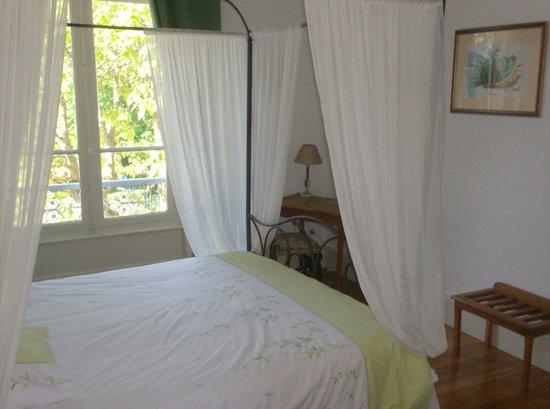L'Echauguette - Table et Chambres d'hotes: la double terrasse