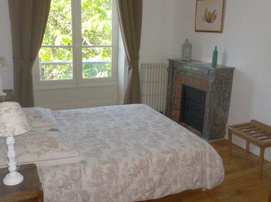 L'Echauguette - Table et Chambres d'hotes: double terrasse 2