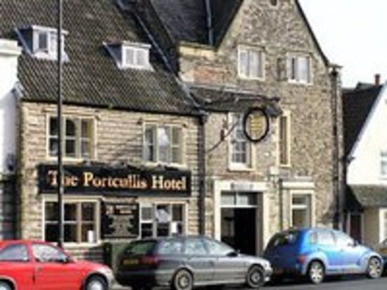 Portcullis Hotel