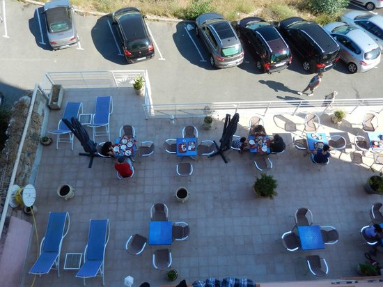 Hotel Neptune : Terrace for breakfast or drink