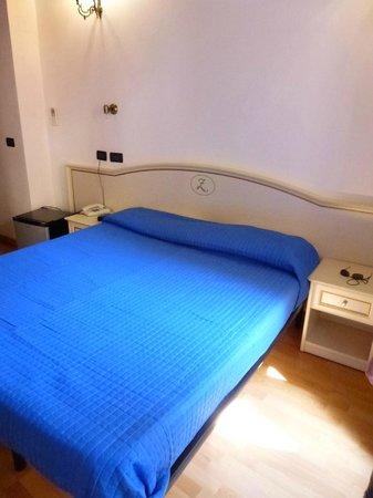 Locanda Ca' dei Duxi : lit (2 matelas) confortable