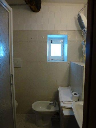 chambre et vue sur la ruelle photo de locanda ca 39 dei. Black Bedroom Furniture Sets. Home Design Ideas