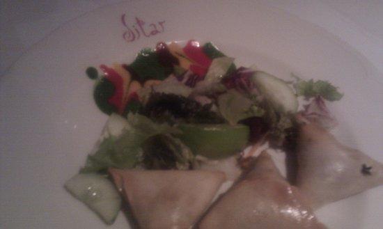 Sitar Indian Restaurant: samosa