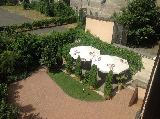 Hotel Columbus : Jardín