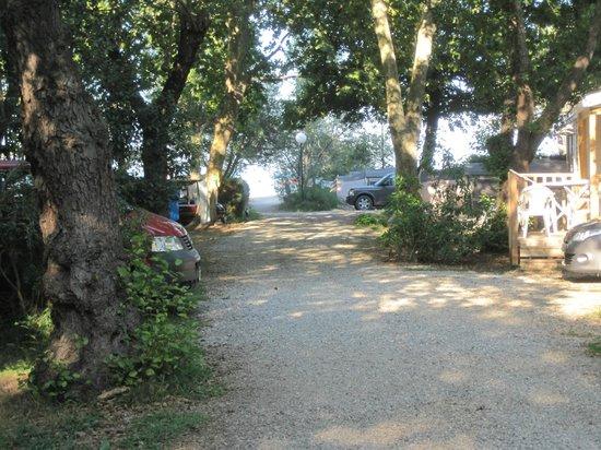Camping Merendella : Acces du camping à la plage.