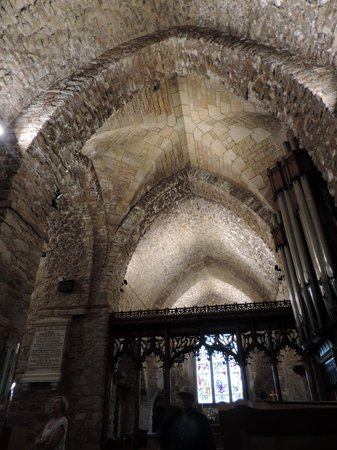 Parish Church of St. Brelade: voutes gothiques de l'église