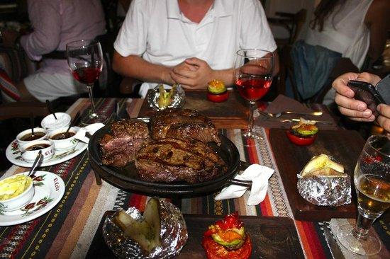 El Ceibo: Sizzling steaks