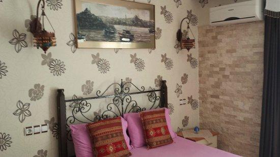 Sinter Terasse House Hotel : scorcio della camera..