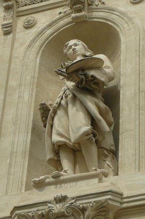 Musée Fabre : Statue du peintre Jean RAOUX