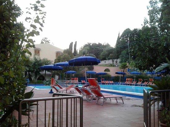 Hotel Grotticelle: Piscina