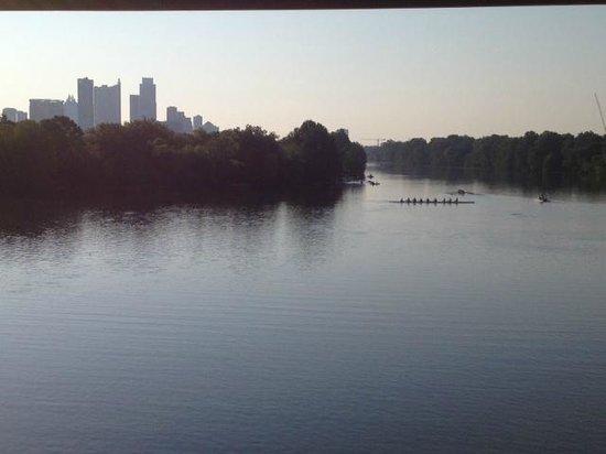 Zilker Metropolitan Park : Sunday Morning view of the lake 7 am