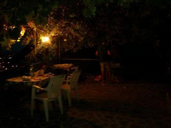 B&B La Luna: barbecue in veranda