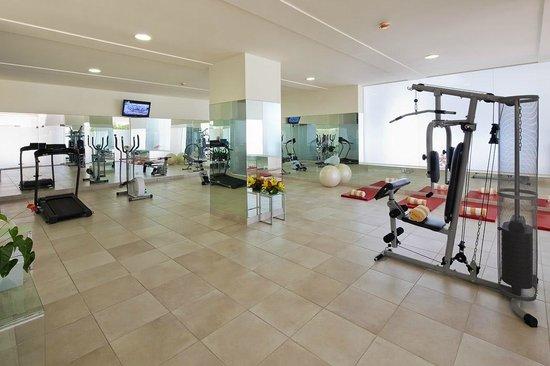 Villa Doris Suites: Gym