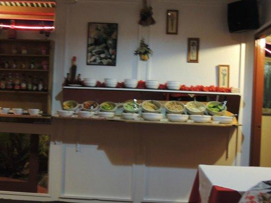 Alberto's Restaurant: Salad bar