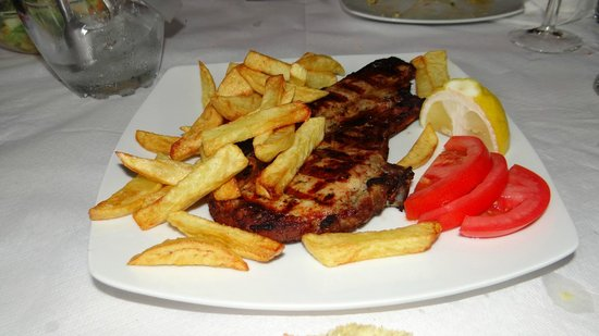 Milagrosa Taverna Barbecue: Pork chop and potatoes