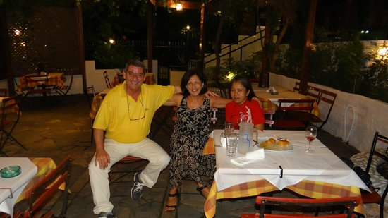 Milagrosa Taverna Barbecue: The owners and me