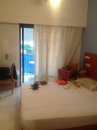 Kourkoumelata Hotel: stanza 1