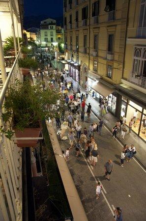 Hotel del Corso: Veduta dalla terrazza su Corso e piazza Tasso