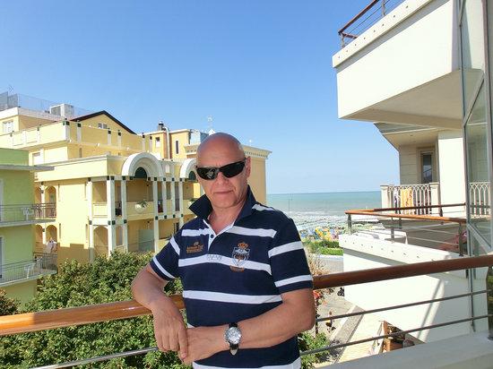 Hotel Albatros : io,dal balcone della numero 28