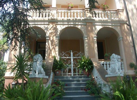 Loano, Italien: facciata