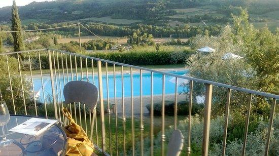 Relais Poggio Borgoni : vue de la terasse