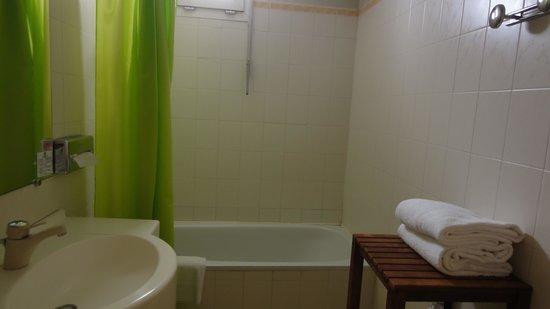 Bristol Hotel : バスルーム