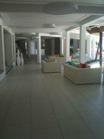 Ambre Mauritius: La hall