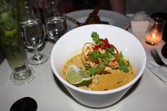 """Qi: Chicken Chiang Mai Noodle - """"Khao Soi"""""""