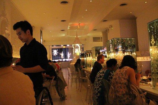 Qi: Restaurant