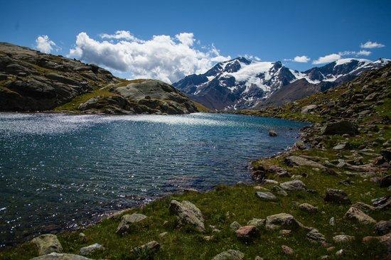 Cogolo, Włochy: Il lago nero nell'alta val di Pejo, lato val de la Mare