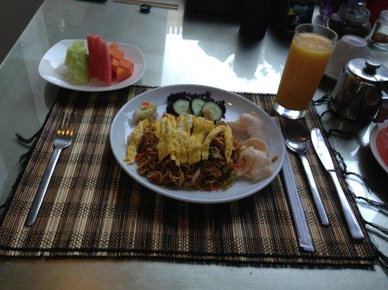Kamuela Villas Seminyak: Mi goreng great!!!
