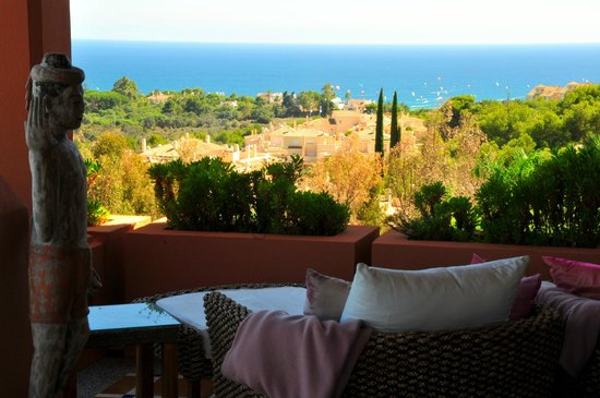 The Marbella Heights Boutique Hotel : vue de la terrasse terrasse