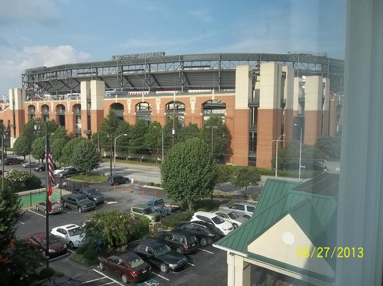 Country Inn & Suites By Carlson, Atlanta Downtown South at Turner Field: Great view of Turner Field Stadium ... home of the Atlanta Braves!