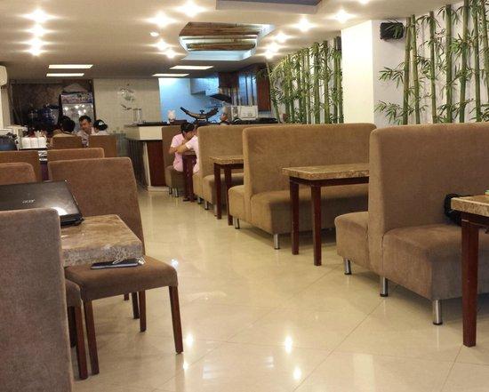 Rising Dragon Grand Hotel: Qui si fa colazione
