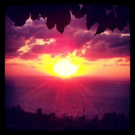 tramonto terrazza hotel il girasole anacapri @vindef10 instagram