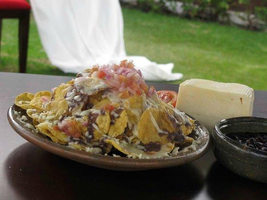 Cuatemoc Tex Mex Restaurante: Nachos al Frijol