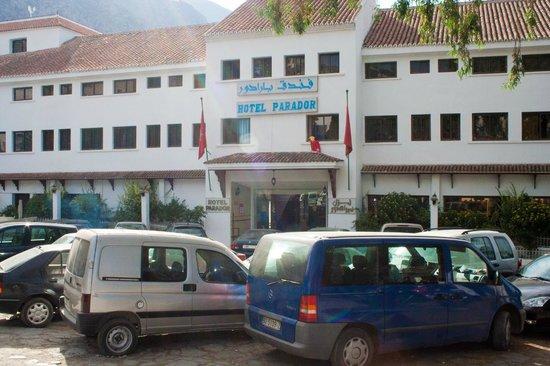 Hotel Parador: entrance