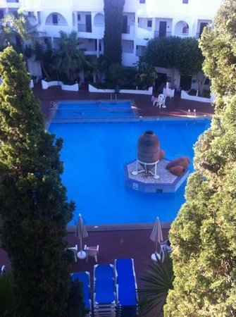 Sol Cala d'Or Apartamentos: pool view from our studio
