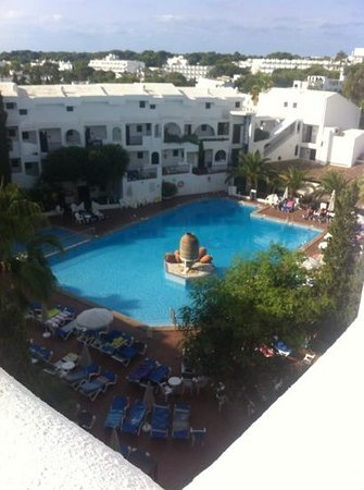 Sol Cala d'Or by Melia Apartamentos : beautiful pool area view from rooftop jacuzzi