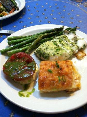 Mayacamas Ranch: Halibut dinner
