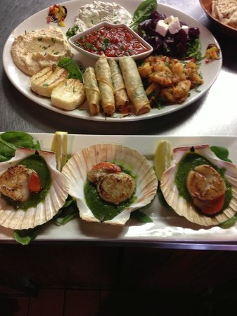 Ephesus Mediterranean Grill & Meze Bar: Scallops with pea & mint purèe and veg plater