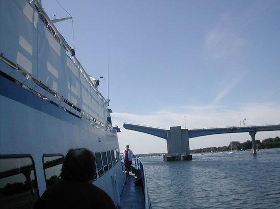 Keweenaw Star Excursions : Lake Michigan Lighthouse Tour