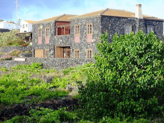 Fachada de la bodega restaurante la casa del volc n picture of la casa del volcan - La casa del volcan ...