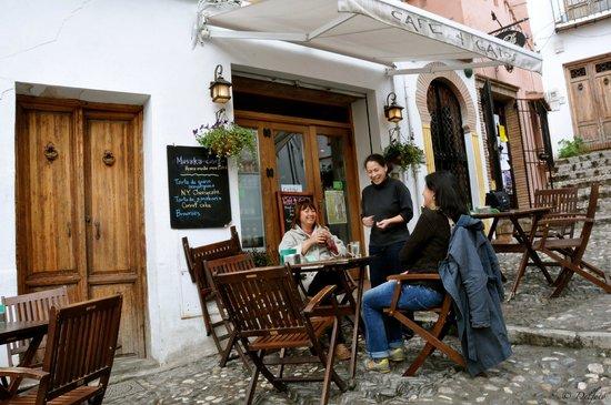 Cafe 4 Gatos: Terraza del bar