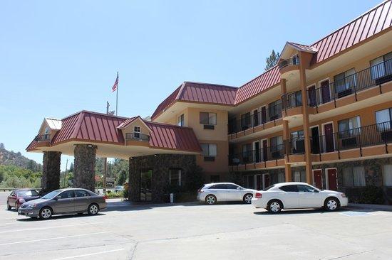 BEST WESTERN PLUS Yosemite Way Station Motel : Ingresso
